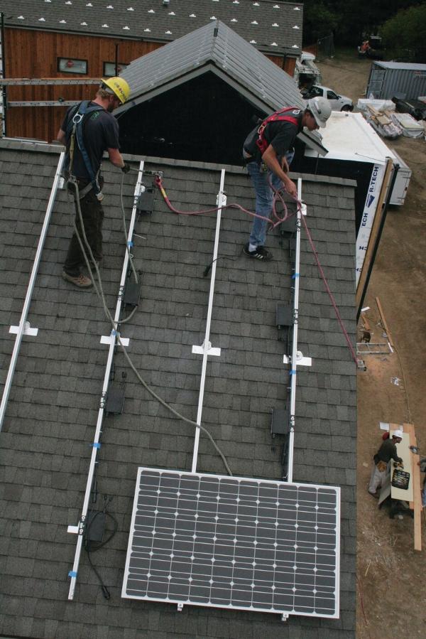 Rethinking Microinverters Aps America S 4 Panel Solar