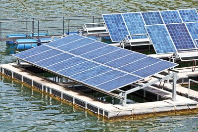 Floating-solar-array-(Cut-1)