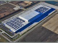 Largest solar rooftop project in Illinois installed atop IKEA distribution center