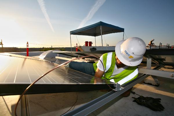 REC Solar Completes 5 Installations Across Florida