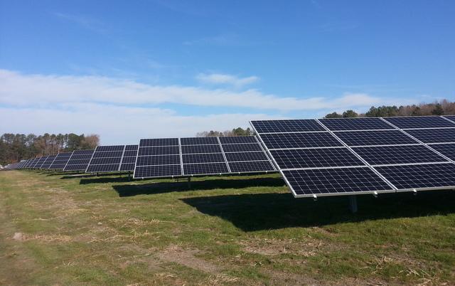 Pocomoke SunEdison solar panels field blue sky