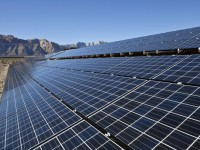 Solar and wind energy could make up 17 percent of installed capacity by 2020