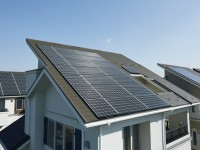 Panasonic bringing its larger solar panels to U.S. with extended warranty