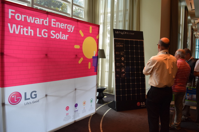 LG intersolar neon panels
