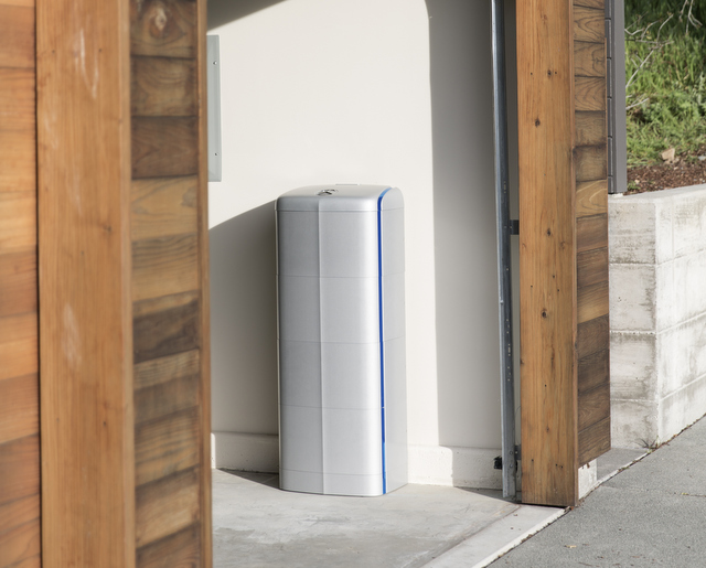 Vivint_Solar_Mercedes_Benz_Energy_Storage_Home_4