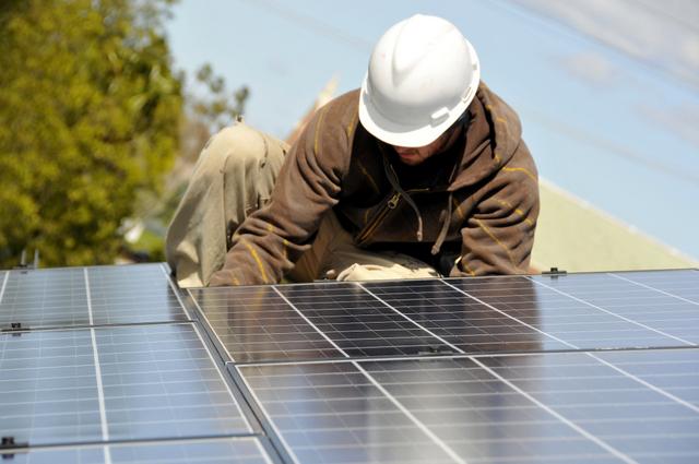 solar jobs illinois