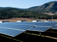 Solar projects out perform estimates, while wind projects under perform, says Fitch