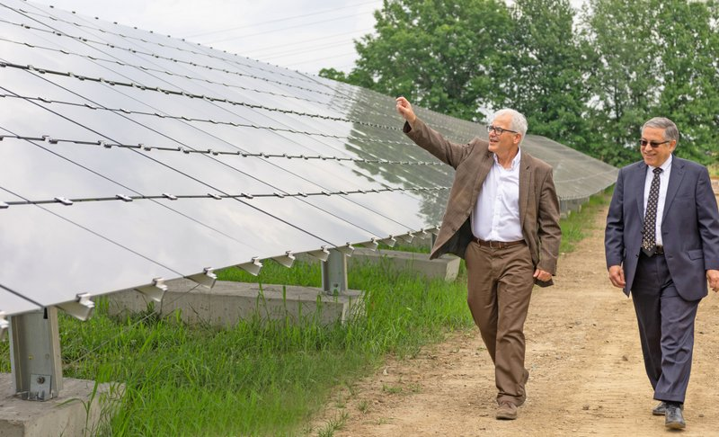 County Officials Inspect Cuyahoga County Landfill Solar Project installed by Conti Solar-001