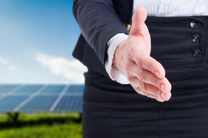 solar energy PPA handshake
