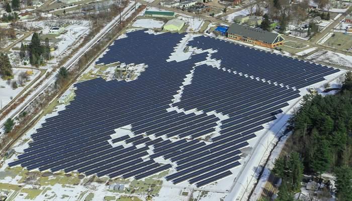 Amphenol Solar Project Solar FlexRack
