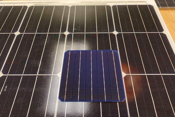 C3 solar cell
