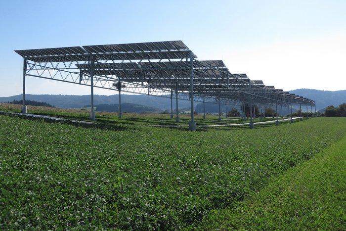 1_Fraunhofer-agrivoltaics-image
