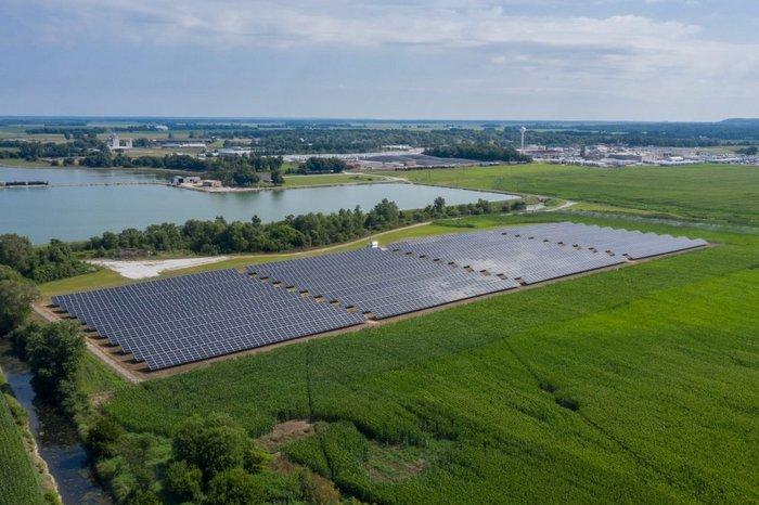 Illinois pork company solar array