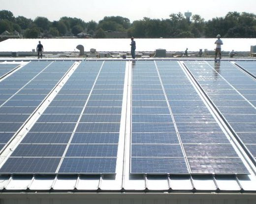 Install pros discuss wire management for rail-less solar on low-slope metal roofing