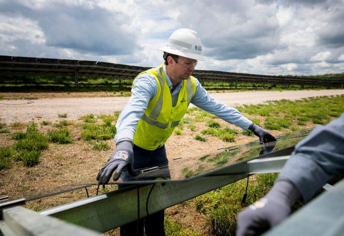 Stony Knoll Solar power plant construction